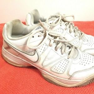 Nike City Court VII Women's Tennis Shoes Size 10